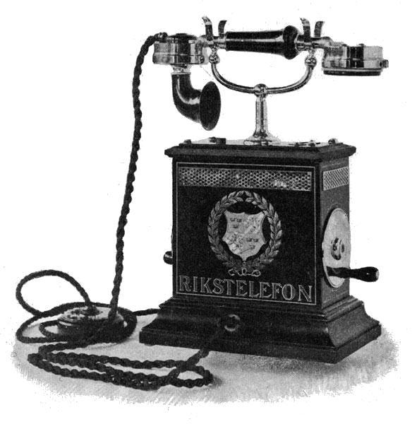 Puhelin vuodelta 1896.
