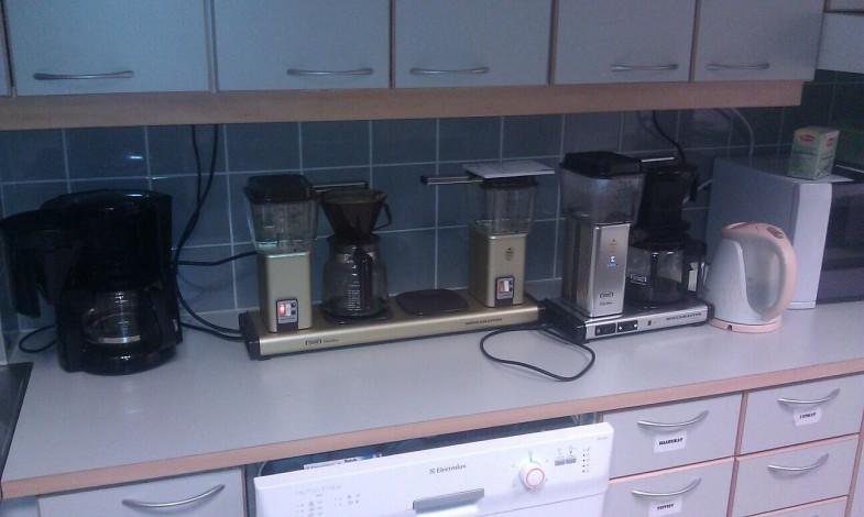 Yle-tasoinen kahvinkeittoredundanssi.